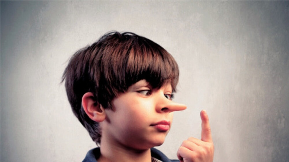 دروغگویی در کودکان: بررسی روانشناسانۀ دروغگویی کودکان و علل و ریشههای آن