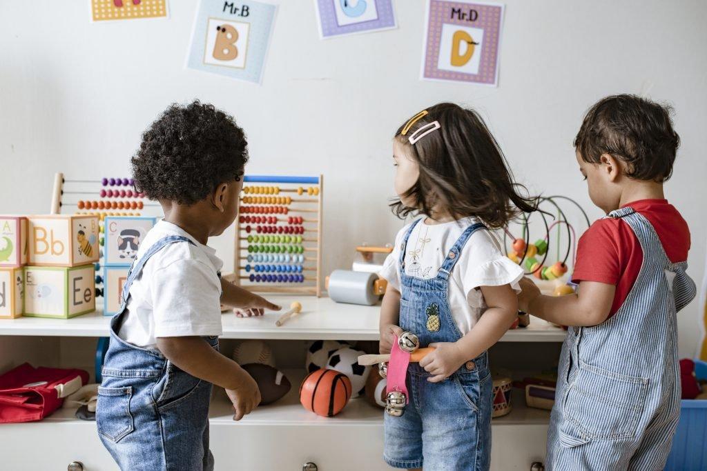اسباب بازی ها در زندگی و آینده کودکمان چه اثراتی خواهند داشت؟